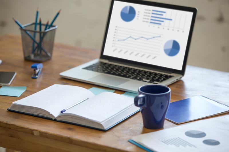 infos économiques sur laptop