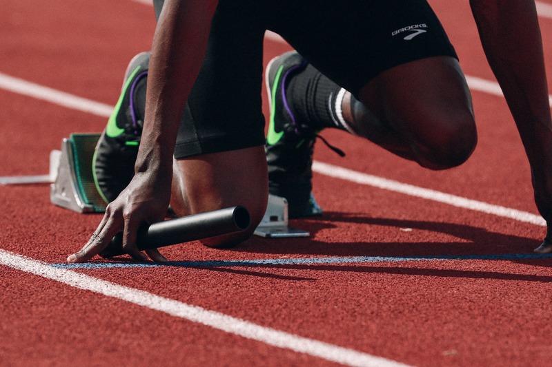 athlète relais prêt