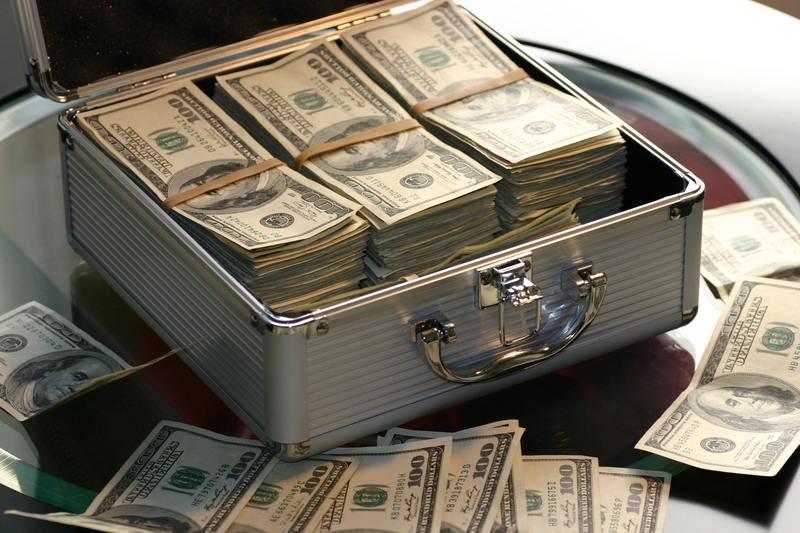 mallette pleine d'argent