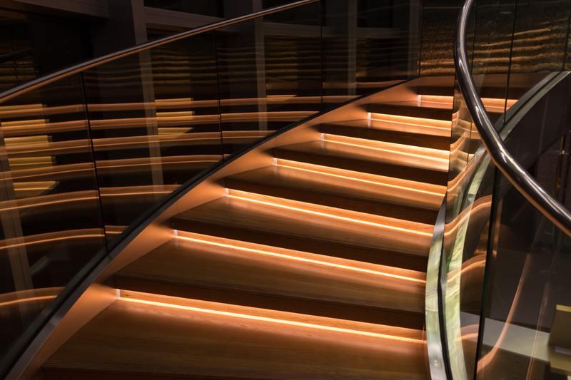 escaliers pénombre