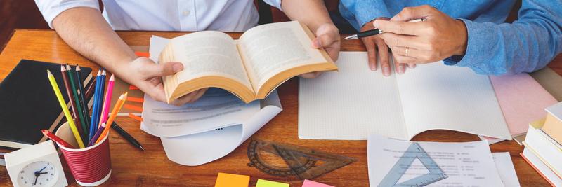 papier crayon livres cahier