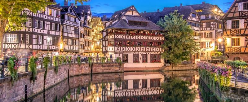 Vignoble sur les hauteurs de Turckheim , Alsace (Fr).