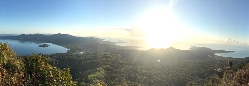panorama lever de soleil sur le mont choungui