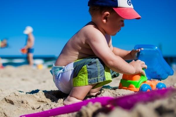 enfants plage taxe de séjour