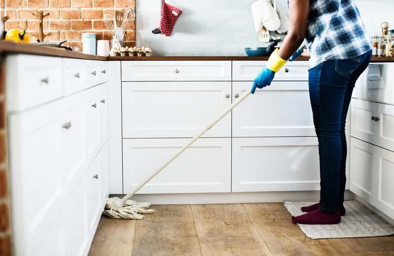 une aide à domicile peut vous faire économiser de l'argent