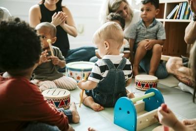 Gastos com cuidados infantis